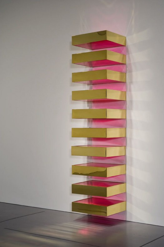Untitled, by Donald Judd (1968). Size: 10 boxes of 6 x 27 x 24 inches each. Materials: Brass and colored fluorescent plexiglass on steel brackets Collection: Hirshhorn Museum and Sculpture Garden, Washington, D.C.